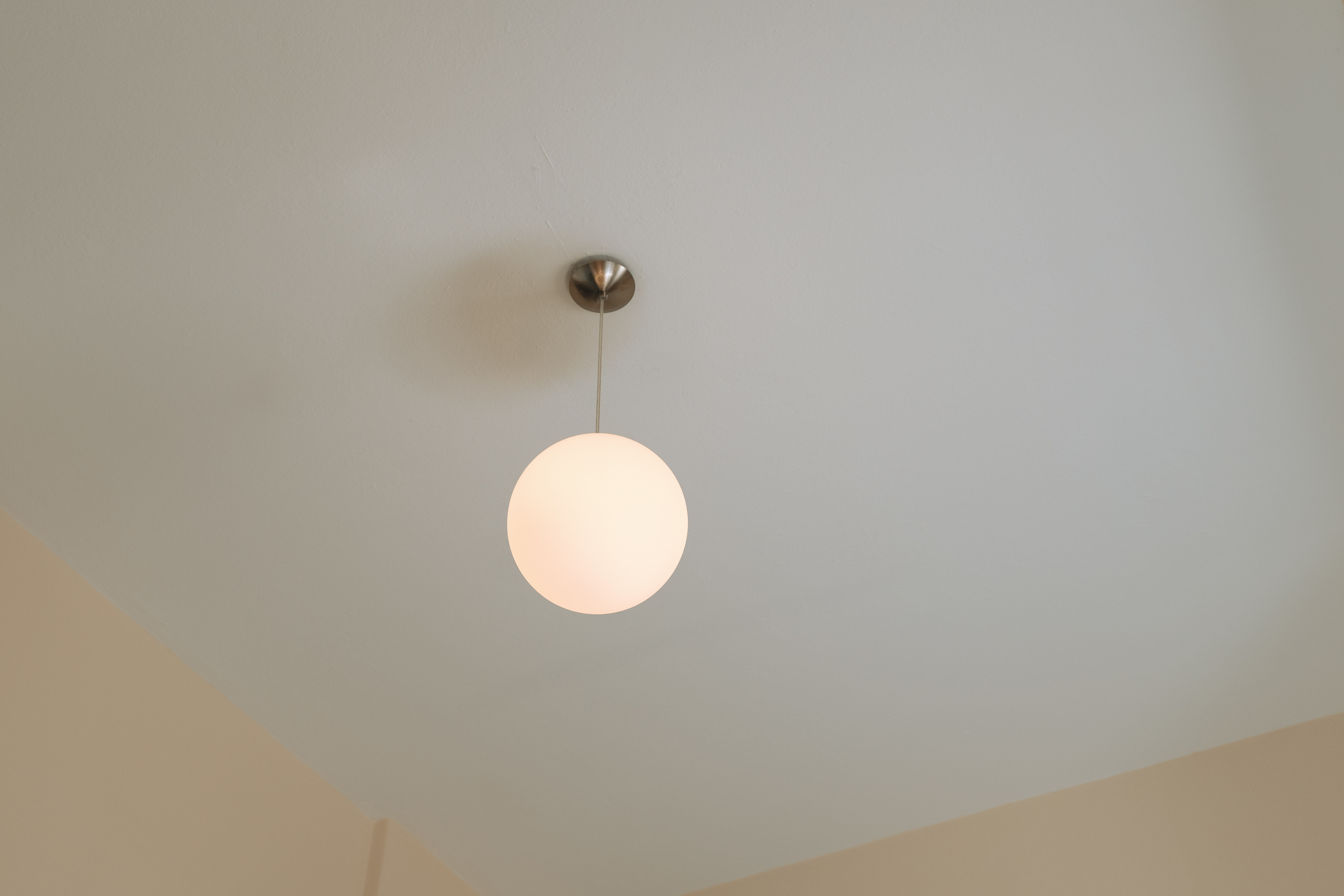 https homeguides sfgate com can use cover hole ceiling old light fixture 104016 html