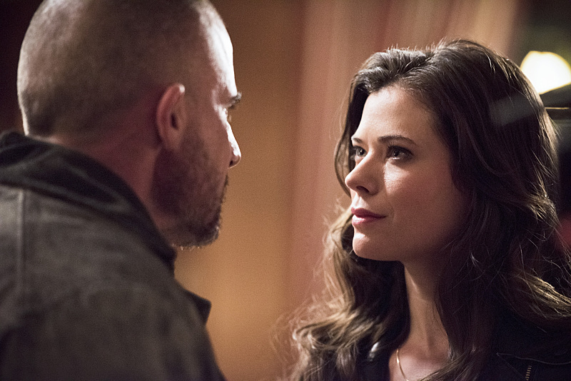 """The Flash--""""Rogue Time""""--image FLA116A_0554b--Pictured: (L-R) Dominic Percell as Mick Rory/Heat Wave and Peyton List as Lisa Snart--Photo: Dean Buscher/The CW--© 2015 The CW Network, LLC. All rights reserved."""