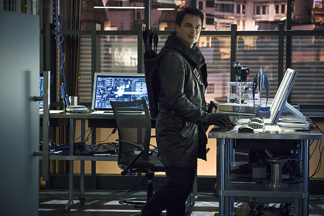 "Arrow -- ""My Name is Oliver Queen"" -- Image AR323B_0351b -- Pictured: John Barrowman as Malcolm Merlyn -- Photo: Liane Hentscher/The CW -- © 2015 The CW Network, LLC. All Rights Reserved."
