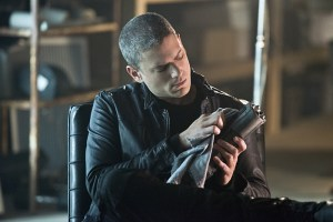 "The Flash -- ""Family of Rogues"" -- Image FLA203b_0060b.jpg -- Pictured: Wentworth Miller as Leonard Snart -- Photo: Diyah Pera/The CW -- © 2015 The CW Network, LLC. All rights reserved."