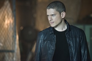 "The Flash -- ""Family of Rogues"" -- Image FLA203b_0088b.jpg -- Pictured: Wentworth Miller as Leonard Snart  -- Photo: Diyah Pera/The CW -- © 2015 The CW Network, LLC. All rights reserved."