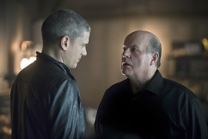 "The Flash -- ""Family of Rogues"" -- Image FLA203b_0190b.jpg -- Pictured (L-R): Wentworth Miller as Leonard Snart and  Michael Ironside as Lewis Snart -- Photo: Diyah Pera/The CW -- © 2015 The CW Network, LLC. All rights reserved."