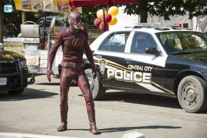 """The Flash -- """"The Man Who Saved Central City"""" -- Image FLA201a_0307b -- Pictured (L-R): Grant Gustin as The Flash-- Photo: Cate Cameron /The CW -- © 2015 The CW Network, LLC. All rights reserved"""