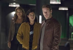 """The Flash -- """"Legends of Today"""" -- Image FLA208B_0186b.jpg -- Pictured (L-R): Ciara Renee as Kendra Saunders, Carlos Valdes as Cisco Ramon and Falk Hentschel as Carter Hall -- Photo: Cate Cameron/The CW -- © 2015 The CW Network, LLC. All rights reserved."""