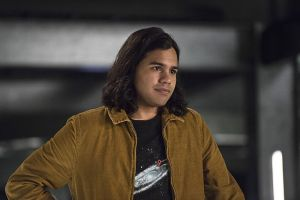 "The Flash -- ""Legends of Today"" -- Image FLA208B_0093b.jpg -- Pictured: Carlos Valdes as Cisco Ramon -- Photo: Cate Cameron/The CW -- © 2015 The CW Network, LLC. All rights reserved."