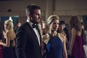 "Arrow -- ""Brotherhood"" -- Image AR407B_072b.jpg -- Pictured (L-R): Stephen Amell as Oliver Queen and  Emily Bett Rickards as Felicity Smoak -- Photo: Cate Cameron/The CW -- © 2015 The CW Network, LLC. All Rights Reserved."