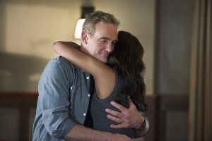 "The Flash -- ""Gorilla Warfare"" -- Image FLA207A_0433b.jpg -- Pictured (L-R): John Wesley Shipp as Henry Allen and Candice Patton as Iris West -- Photo: Diyah Pera/The CW -- © 2015 The CW Network, LLC. All rights reserved."