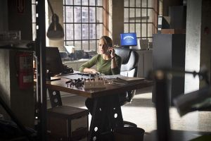 "The Flash -- ""Gorilla Warfare"" -- Image FLA207A_0092b.jpg -- Pictured: Shantel VanSanten as Patty Spivot -- Photo: Diyah Pera/The CW -- © 2015 The CW Network, LLC. All rights reserved."