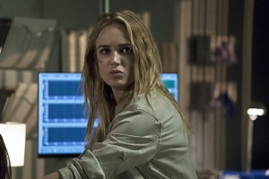 """Arrow -- """"Haunted"""" -- Image AR404A_0236b.jpg -- Pictured: Caity Lotz as Sara Lance -- Photo: Katie Yu/ The CW -- © 2015 The CW Network, LLC. All Rights Reserved."""
