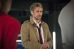 """Arrow -- """"Haunted"""" -- Image AR404B_0053b.jpg -- Pictured: Matt Ryan as Constantine -- Photo: Cate Cameron/ The CW -- © 2015 The CW Network, LLC. All Rights Reserved."""