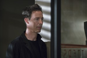 """The Flash -- """"The Darkness and the Light"""" -- Image FLA205A_0285b.jpg -- Pictured: Tom Cavanagh as Harrison Wells -- Photo: Katie Yu/The CW -- © 2015 The CW Network, LLC. All rights reserved."""