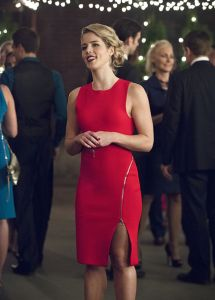 "Arrow -- ""Dark Waters"" -- Image AR409B_0034b.jpg -- Pictured: Emily Bett Rickards as Felicity Smoak -- Photo: Diyah Pera/ The CW -- © 2015 The CW Network, LLC. All Rights Reserved."