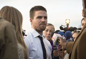 """Arrow -- """"Dark Waters"""" -- Image AR409A_0209b.jpg -- Pictured: Stephen Amell as Oliver Queen -- Photo: Diyah Pera/ The CW -- © 2015 The CW Network, LLC. All Rights Reserved."""