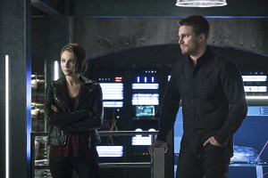 """Arrow -- """"A.W.O.L."""" -- Image AR411A_0116b.jpg -- Pictured (L-R): Willa Holland as Thea Queen and Stephen Amell as Oliver Queen -- Photo: Liane Hentscher/ The CW -- © 2016 The CW Network, LLC. All Rights Reserved."""