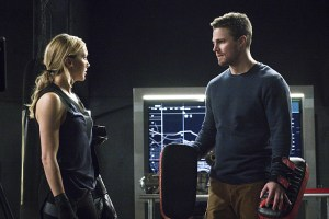 """Arrow -- """"A.W.O.L."""" -- Image AR411A_0057b.jpg -- Pictured (L-R): Katie Cassidy as Laurel Lance and Stephen Amell as Oliver Queen -- Photo: Liane Hentscher/ The CW -- © 2016 The CW Network, LLC. All Rights Reserved."""