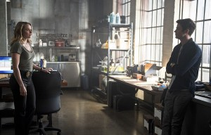 """The Flash -- """"The Reverse Flash Returns"""" -- Image FLA211a_0353b -- Pictured (L-R): Shantel Van Santen as Detective Patty Spivot and Grant Gustin as Barry Allen -- Photo: Diyah Pera/The CW -- © 2016 The CW Network, LLC. All rights reserved."""