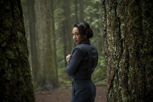 "The Flash -- ""Escape From Earth-2"" -- Image FLA214b_0144b -- Pictured: Candice Patton as Earth 2 Iris West -- Photo: Bettina Strauss/The CW -- © 2016 The CW Network, LLC. All rights reserved."