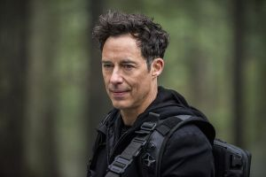 "The Flash -- ""Escape From Earth-2"" -- Image FLA214b_0122b -- Pictured: Tom Cavanagh as Harrison Wells -- Photo: Bettina Strauss/The CW -- © 2016 The CW Network, LLC. All rights reserved."