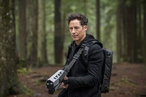 """The Flash -- """"Escape From Earth-2"""" -- Image FLA214b_0100b -- Pictured: Tom Cavanagh as Harrison Wells -- Photo: Bettina Strauss/The CW -- © 2016 The CW Network, LLC. All rights reserved."""