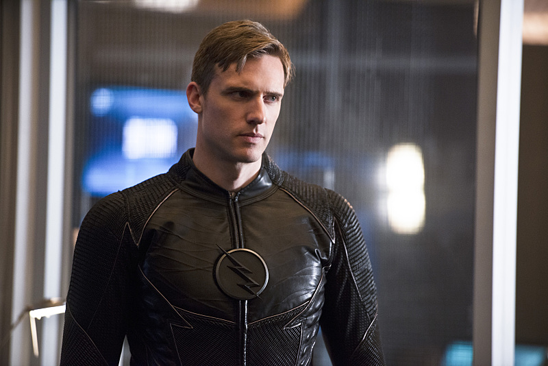 """The Flash -- """"Versus Zoom"""" -- Image: FLA218b_0130b.jpg -- Pictured: Teddy Sears as Jay Garrick -- Photo: Diyah Pera/The CW -- © 2016 The CW Network, LLC. All rights reserved."""