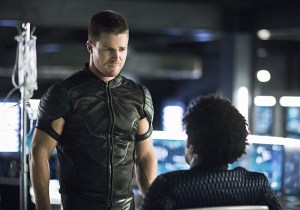 "Arrow -- ""Beacon of Hope"" -- Image AR417a_0279b.jpg -- Pictured (L-R): Stephen Amell as Oliver Queen and Echo Kellum as Curtis Holt -- Photo: Dean Buscher/The CW -- © 2016 The CW Network, LLC. All Rights Reserved."