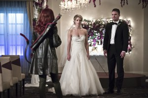 "Arrow -- ""Broken Hearts"" -- Image AR416a_0028b.jpg -- Pictured (L-R): Emily Bett Rickards as Felicity Smoak and Stephen Amell as Oliver Queen -- Photo: Katie Yu /The CW -- © 2016 The CW Network, LLC. All Rights Reserved."