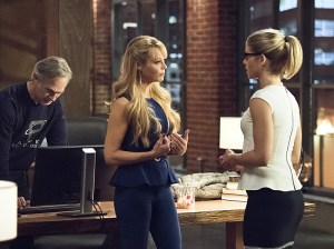 "Arrow -- ""Lost in the Flood"" -- Image AR422a_0248b.jpg -- Pictured (L-R): Tom Amandes as Noah Kuttler/Calculator, Charlotte Ross as Donna Smoak and Emily Bett Rickards as Felicity Smoak -- Photo: Dean Buscher/The CW -- © 2016 The CW Network, LLC. All Rights Reserved."