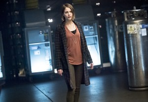"Arrow -- ""Monument Point"" -- Image AR421a_0136b.jpg -- Pictured: Willa Holland as Thea Queen -- Photo: Dean Buscher/The CW -- © 2016 The CW Network, LLC. All Rights Reserved."