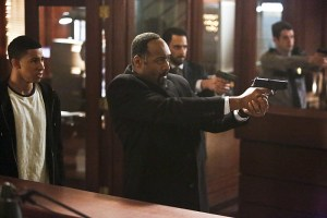 """The Flash -- """"Rupture"""" -- Image: FLA220a_0036b.jpg -- Pictured (L-R): Keiynan Lonsdale as Wally West and Jesse L. Martin as Detective Joe West -- Photo: Bettina Strauss/The CW -- © 2016 The CW Network, LLC. All rights reserved."""