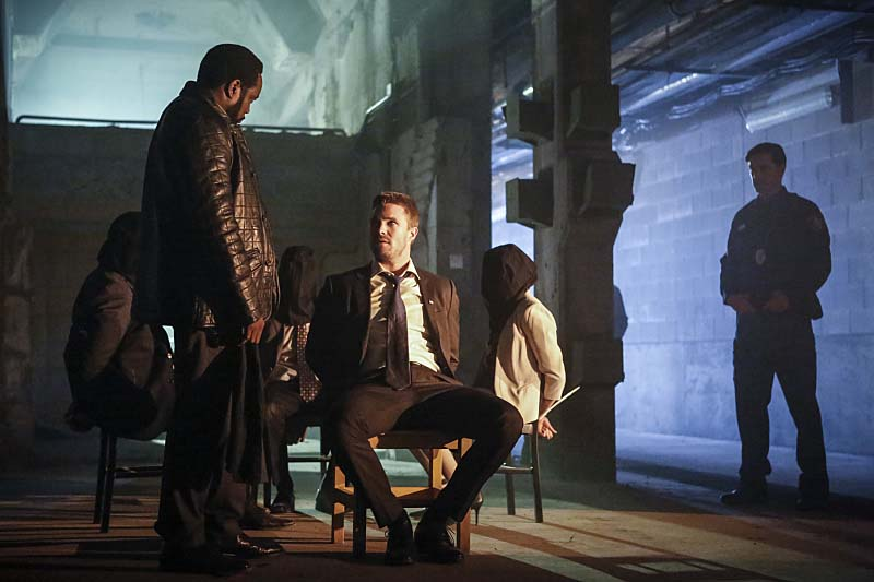 """Arrow -- """"Legacy"""" -- Image AR501c_0034b --- Pictured (L-R): Chad Coleman as Tobias Church and Stephen Amell as Oliver Queen -- Photo: Bettina Strauss/The CW -- Ì?å© 2016 The CW Network, LLC. All Rights Reserved."""