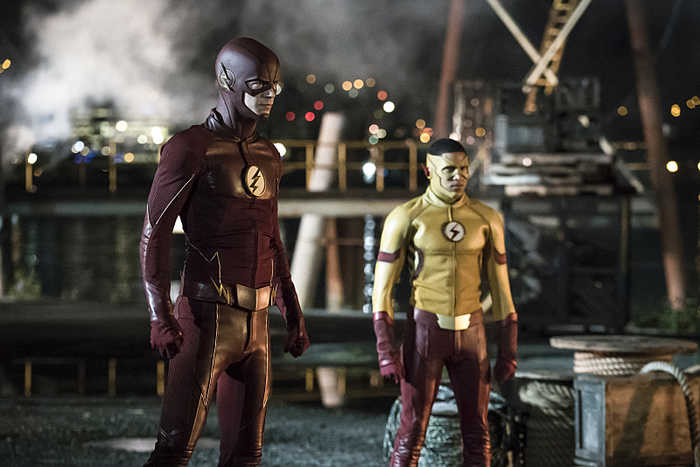 """The Flash -- """"Flashpoint """" -- Image: FLA301a_0110b.jpg -- Pictured (L-R): Grant Gustin as The Flash and Keiynan Lonsdale as Kid Flash -- Photo: Katie Yu/The CW -- © 2016 The CW Network, LLC. All rights reserved."""