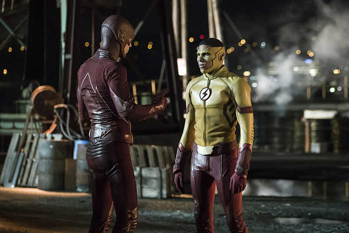 """The Flash -- """"Flashpoint"""" -- Image: FLA301a_0090b.jpg -- Pictured (L-R): Grant Gustin as The Flash and Keiynan Lonsdale as Kid Flash -- Photo: Katie Yu/The CW -- © 2016 The CW Network, LLC. All rights reserved."""