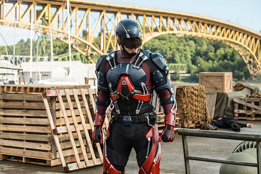 """DC's Legends of Tomorrow --""""Out Of Time""""-- Image LGN201A_0424.jpg Pictured: Brandon Routh as Ray Palmer/Atom -- Photo: Diyah Pera/The CW -- Ì?å© 2016 The CW Network, LLC. All Rights Reserved."""