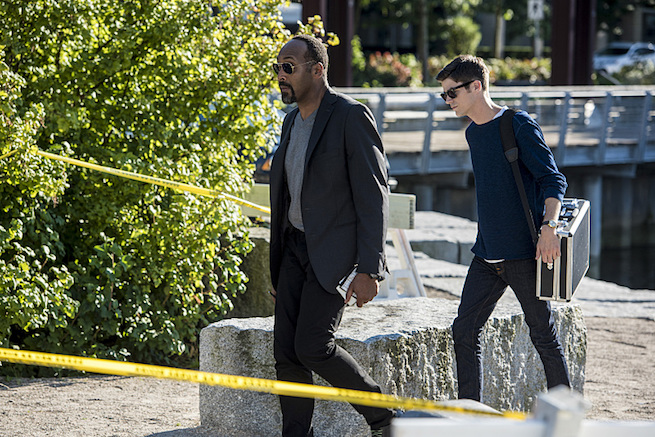 "The Flash -- ""Paradox"" -- Image: FLA302a_0115b.jpg -- Pictured (L-R): Jesse L. Martin as Detective Joe West and Grant Gustin as Barry Allen -- Photo: Dean Buscher/The CW -- © 2016 The CW Network, LLC. All rights reserved."