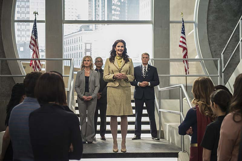 "Supergirl -- ""Welcome to Earth"" -- Image SPG203c_0309 -- Pictured: Lynda Carter as President Olivia Marsdin -- Photo: Diyah Pera/The CW -- Ì?å© 2016 The CW Network, LLC. All Rights Reserved"