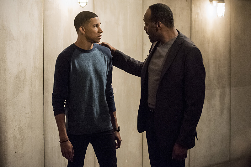 "The Flash -- ""Magenta"" -- Image: FLA303a_0003b.jpg -- Pictured (L-R): Keiynan Lonsdale as Wally West and Jesse L. Martin as Detective Joe West -- Photo: Dean Buscher/The CW -- © 2016 The CW Network, LLC. All rights reserved."