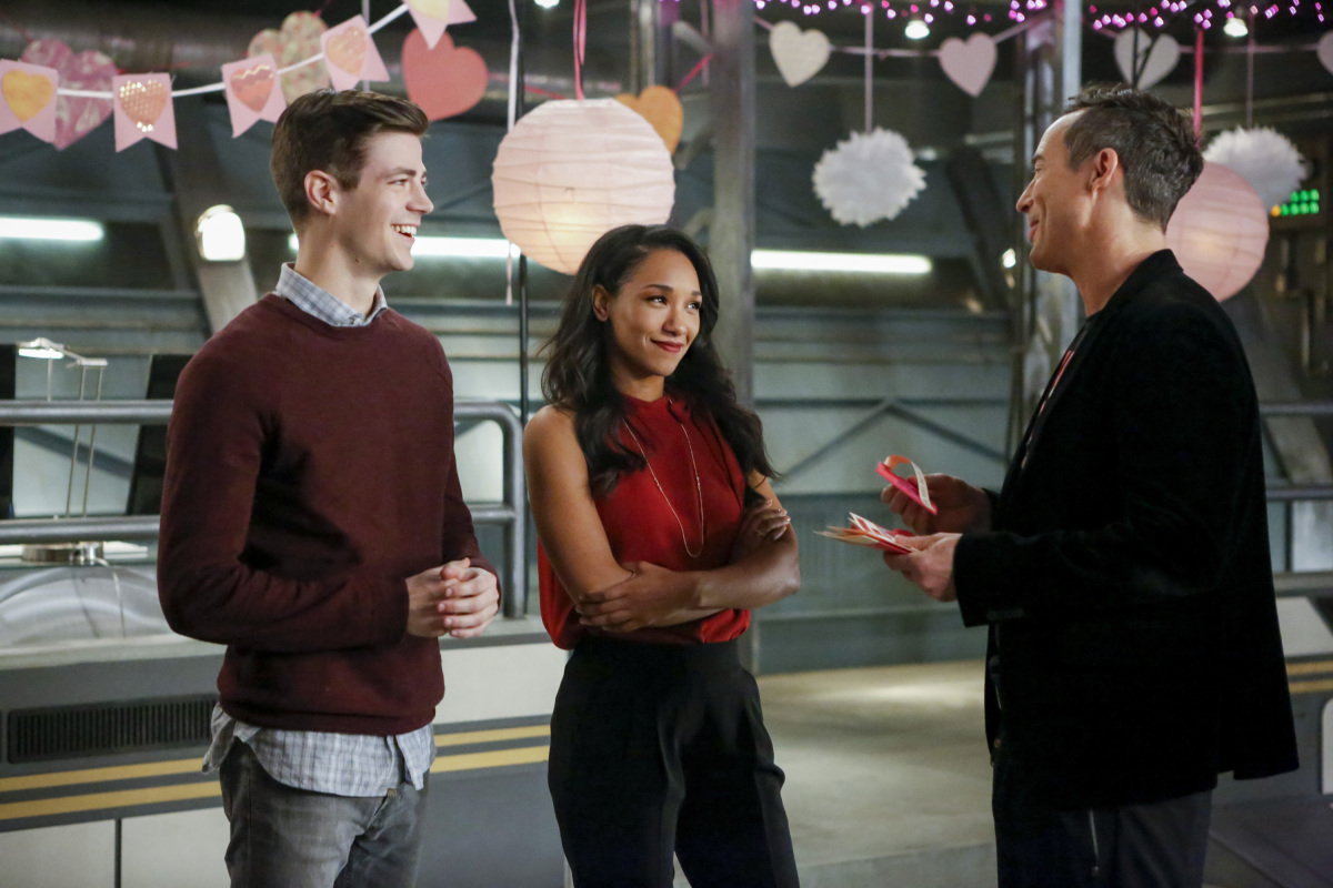 """The Flash -- """"Attack on Central City"""" -- FLA314b_0257b.jpg -- Pictured (L-R): Grant Gustin as Barry Allen, Candice Patton as Iris West and Tom Cavanagh as Harrison Wells -- Photo: Bettina Strauss/The CW -- © 2017 The CW Network, LLC. All rights reserved."""