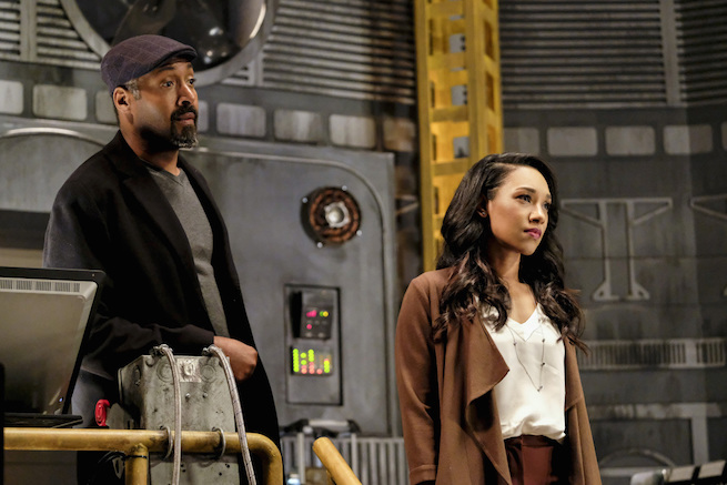 "The Flash -- ""The Wrath of Savitar"" -- FLA315a_0186b.jpg -- Pictured (L-R): Jesse L. Martin as Detective Joe West and Candice Patton as Iris West -- Photo: Bettina Strauss/The CW -- © 2017 The CW Network, LLC. All rights reserved."