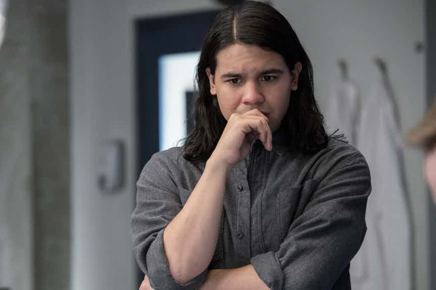 "The Flash -- ""Abra Kadabra"" -- FLA318c_0251b.jpg -- Pictured: Carlos Valdes as Cisco Ramon -- Photo: Jack Rowand/The CW -- © 2017 The CW Network, LLC. All rights reserved."