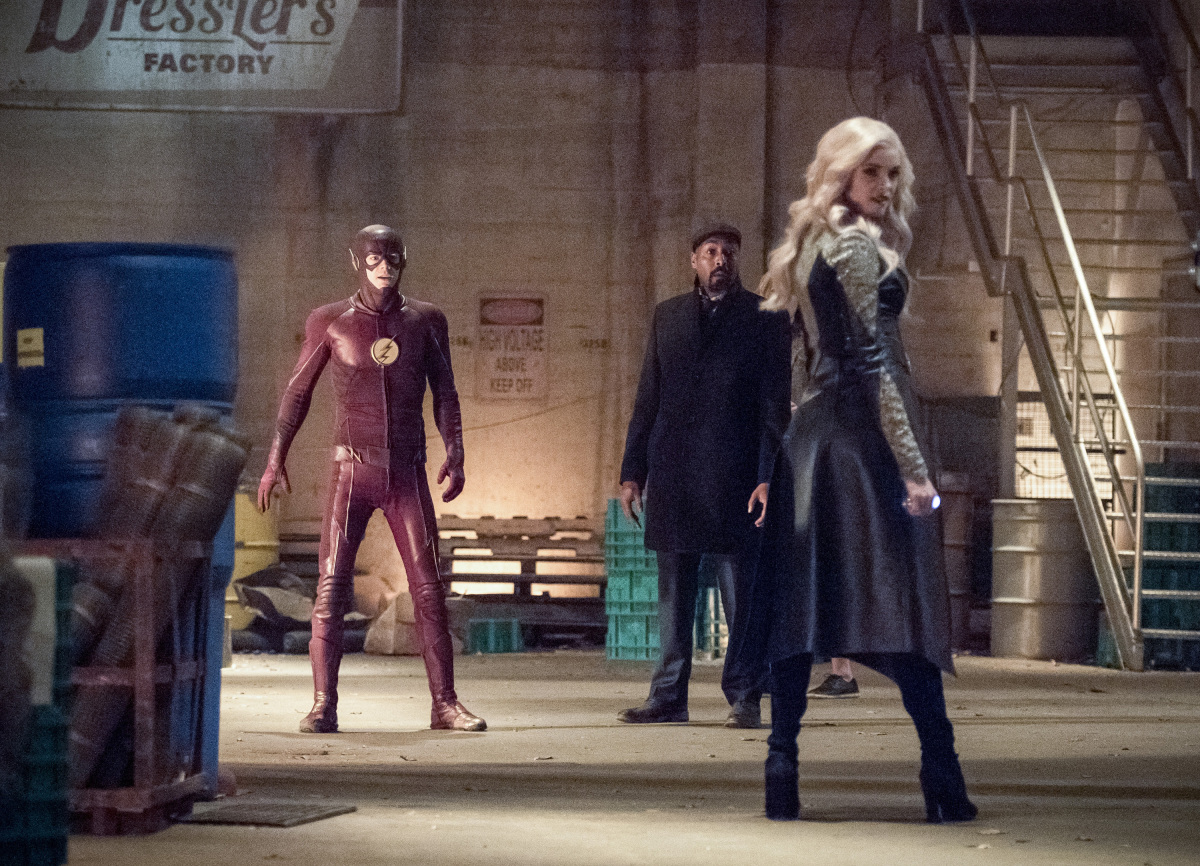 "The Flash -- ""I Know Who You Are"" -- FLA320b_0054b.jpg -- Pictured (L-R): Grant Gustin as The Flash, Jesse L. Martin as Detective Joe West and Danielle Panabaker as Killer Frost -- Photo: Dean Buscher/The CW -- © 2017 The CW Network, LLC. All rights reserved."