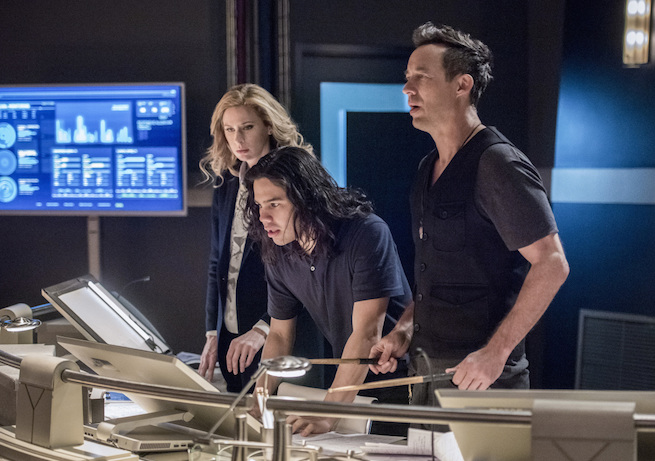 """The Flash -- """"Infantino Street"""" -- FLA322a_0411b.jpg -- Pictured (L-R): Anne Dudek as Tracy Brand, Carlos Valdes as Cisco Ramon and Tom Cavanagh as Harrison Wells -- Photo: Dean Buscher/The CW -- © 2017 The CW Network, LLC. All rights reserved."""