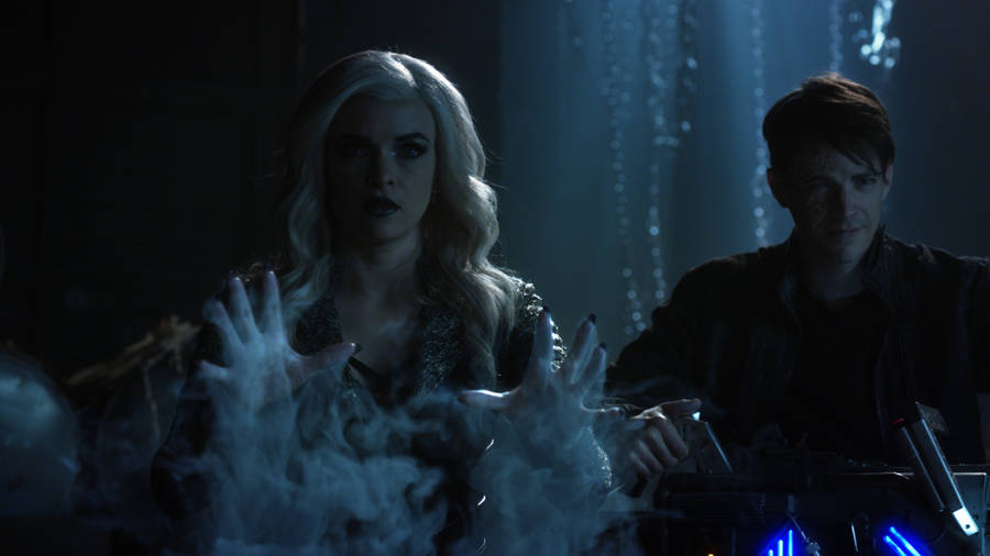 """The Flash -- """"Finish Line"""" -- FLA323c_0017.jpg -- Pictured (L-R): Danielle Panabaker as Killer Frost and Grant Gustin as Savitar -- Photo: The CW -- © 2017 The CW Network, LLC. All rights reserved."""