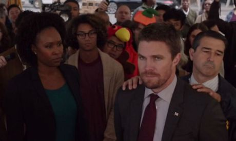 Oliver-being-arrested-by-the-FBI-dc-comics-news