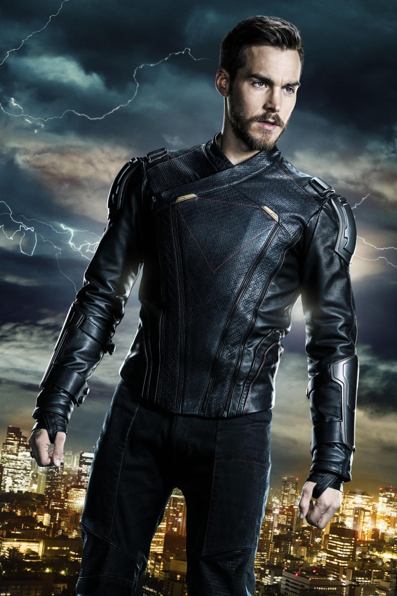 Supergirl -- Image Number: SPG3_ChrisWood_Legion.jpg -- Pictured: Chris Wood as Mon-El -- Photo: © 2018 The CW Network, LLC. All rights reserved.