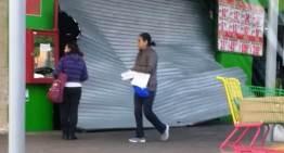 """Comando armado asalta una Tienda """"Aurrerá"""" en Celaya"""