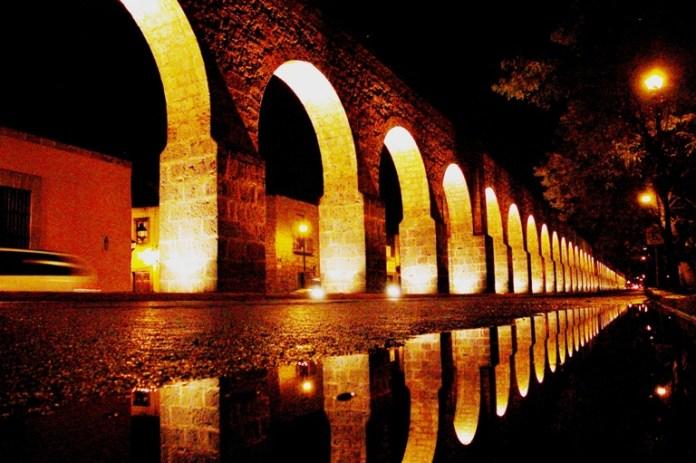3-meet-the-old-aqueduct