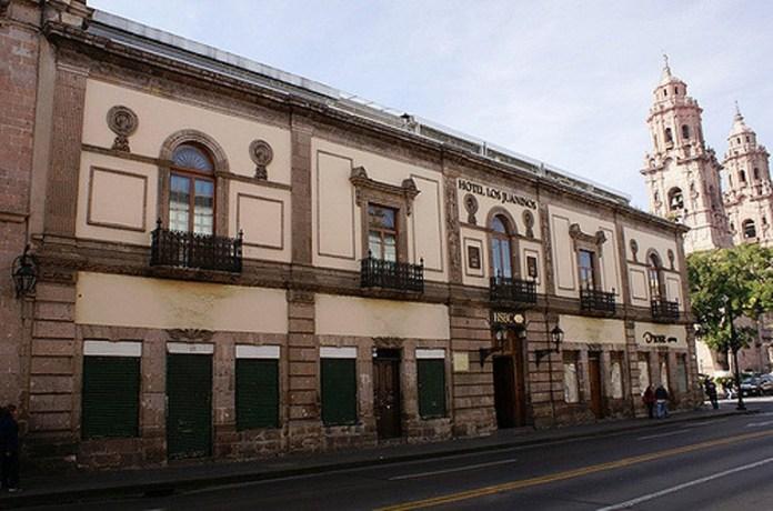 5-visit-the-old-royal-hospital-of-san-juan-de-dios