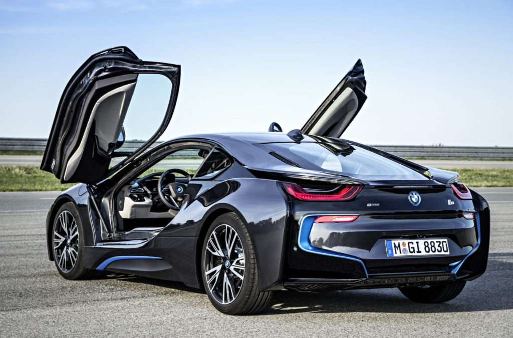 P90133085_highRes_the-bmw-i8-09-2013