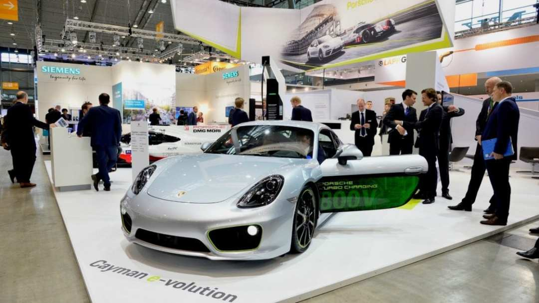 cayman_e_volution_electric_vehicle_symposium_stuttgart_2017_porsche_ag