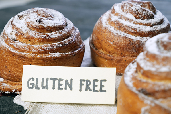 """Rolls with """"gluten free"""" sign"""